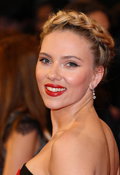 Stunning Scarlett Johansson Red Carpet Looks That Will Prove She's The Queen Of Sophistication