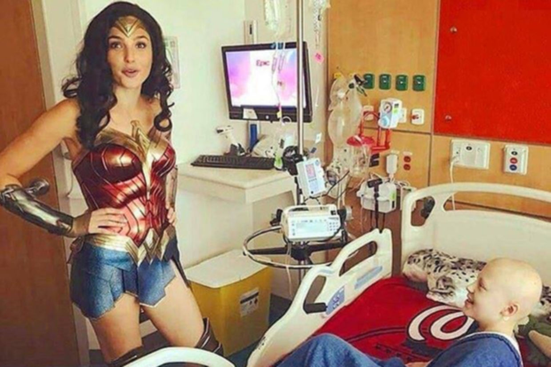 Gal Gadot Makes Surprise Visit To Children's Hospital Dressed As Wonder Woman