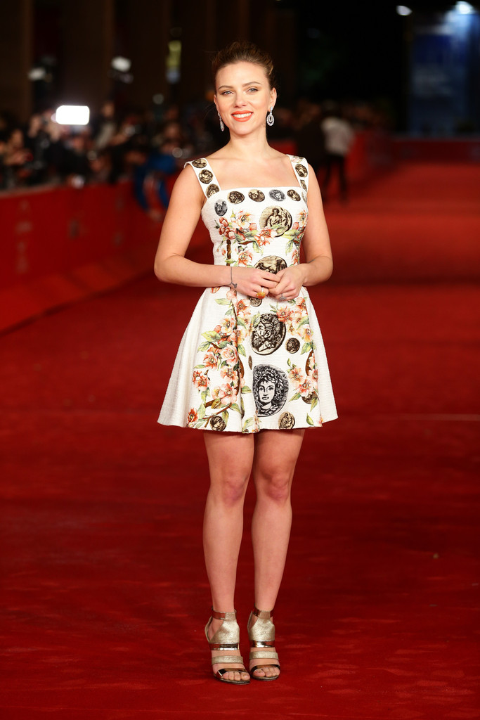 35 Stunning Scarlett Johansson Red Carpet Looks That Will Prove She's The Queen Of Sophistication