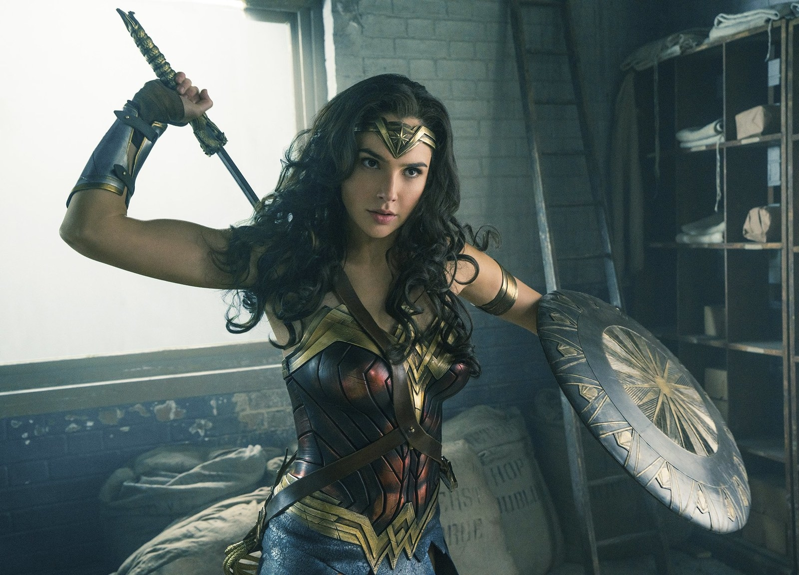 Gal Gadot Makes Surprise Visit To Children's Hospital Dressed As Wonder Woman