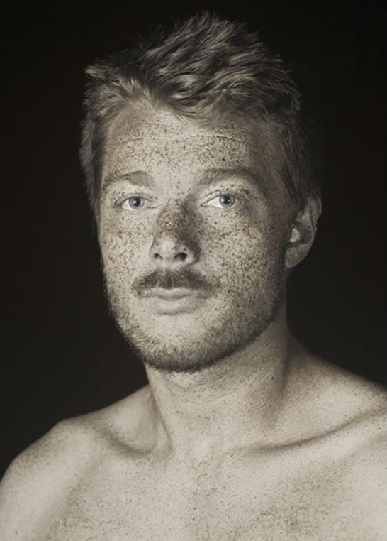 Artist uses UV photography