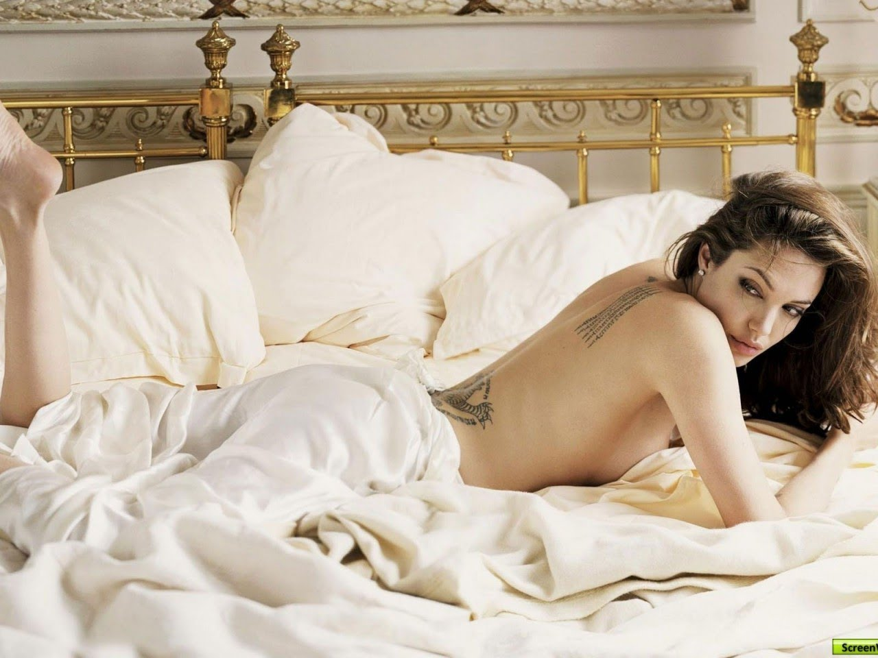 Angelina Jolie Mojave Moon Nude 10 hottest hollywood actresses who had gone nude for the